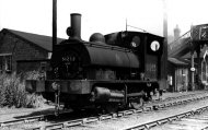 A train at Goole Docks - the wheels were close together so it could go round sharp corners - click to enlarge